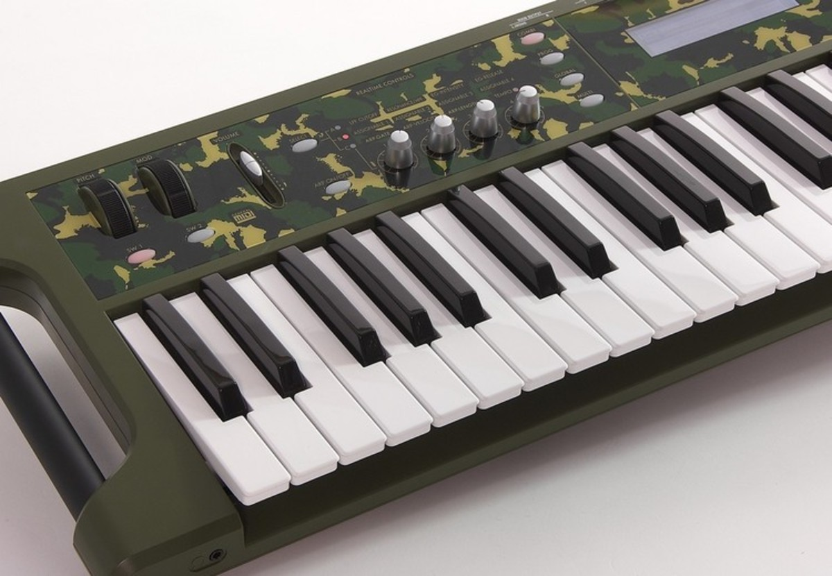 disc korg x50 synth in camouflage limited edition at gear4music com rh gear4music com Korg X5 Korg M3
