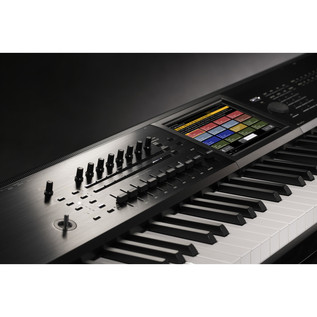 Korg Kronos 88 2015 Music Workstation Including ABS Hardcase