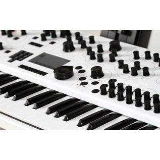 Modal Electronics 002 12 Voice Multitimbral Hybrid Synthesiser
