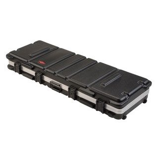 SKB ATA 61 Note Keyboard Case w Wheels - Case Angled