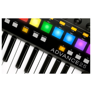 Akai Advance 25 Controller with Deluxe Keyboard Bag