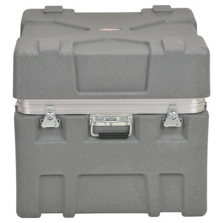 SKB Roto-X Series 2424-22 Shipping Case - Front Closed