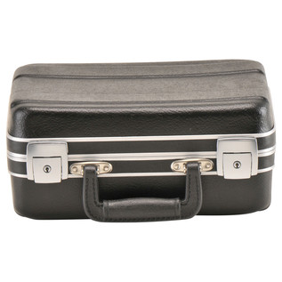 SKB Luggage Style Transport Case (1108-01) - Front Bottom Closed
