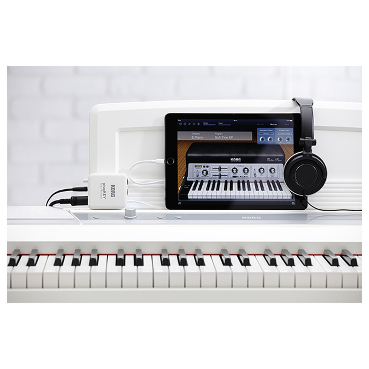 korg plugkey midi audio interface for ios devices white at gear4music. Black Bedroom Furniture Sets. Home Design Ideas