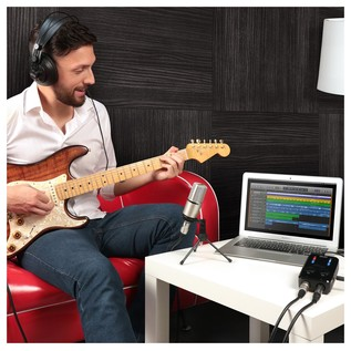IK Multimedia iRig Pro Studio Suite - Lifestyle
