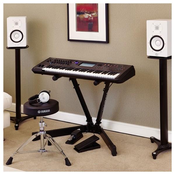 Yamaha MONTAGE 6 Synthesizer
