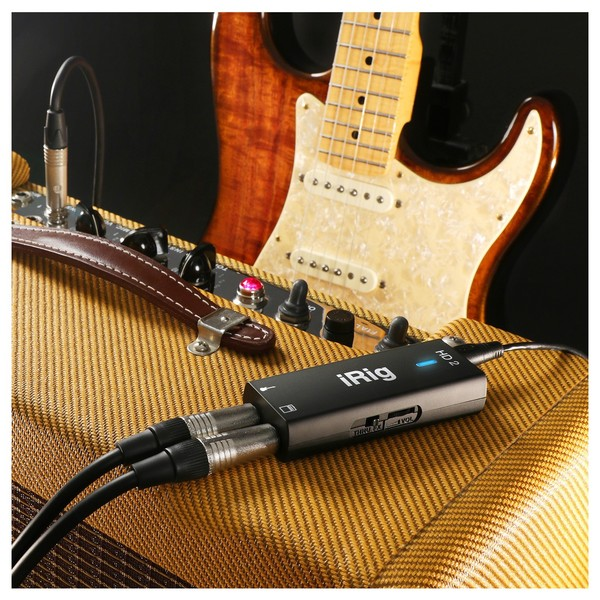 IK Multimedia iRig HD 2 - Lifestyle