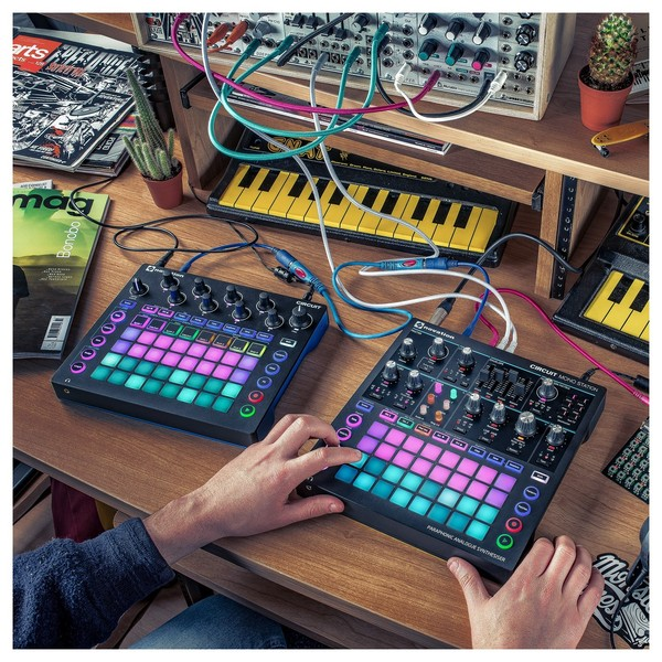 Novation Circuit Mono Station - Lifestyle 2