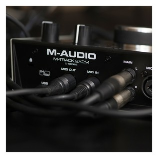 M-Audio M-Track 2x2M Audio Interface With SZ-7080 Headphones - Lifestyle 6