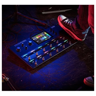 HeadRush Pedalboard Multi FX Processor- Lifestyle 1