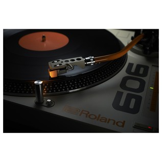 Roland TT-99 Direct Drive Turntable - Lifestyle 1