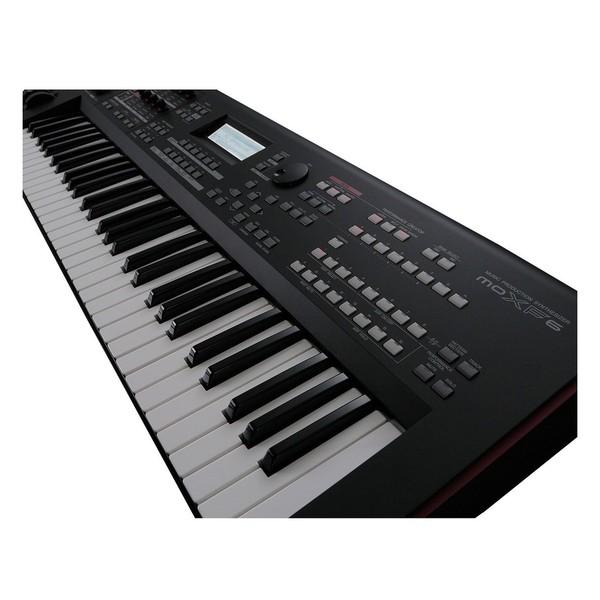 Yamaha MOXF6 Synthesizer Keyboard - Detail