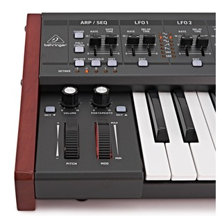 Behringer DeepMind 12 Synthesizer - Detail