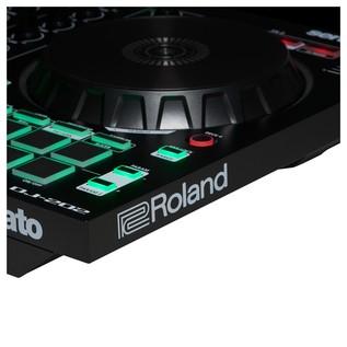 Roland DJ-202 Portable DJ Controller - Detail 1