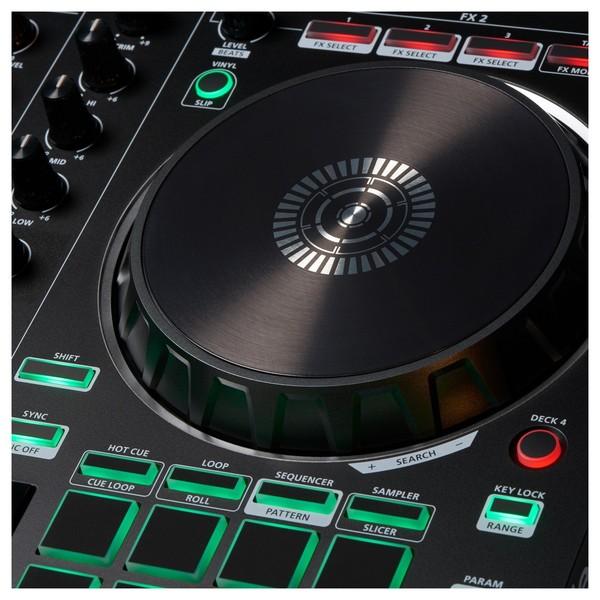 Roland DJ-202 DJ Controller - Detail 2