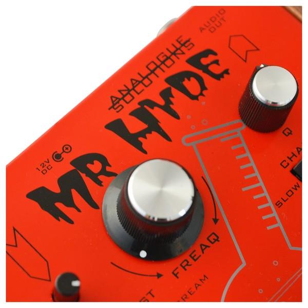 Mr Hyde Effects Box - Angled 2