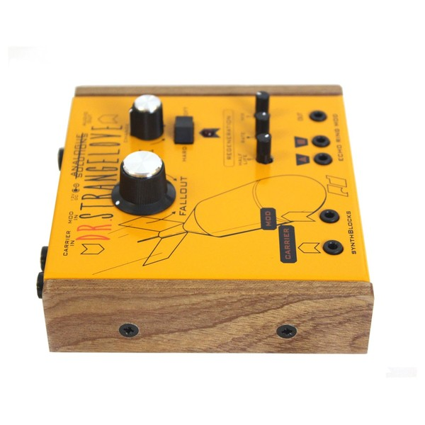 Analogue Solutions Dr Strangelove Analogue Ring Mod/Echo/LFO Box Side