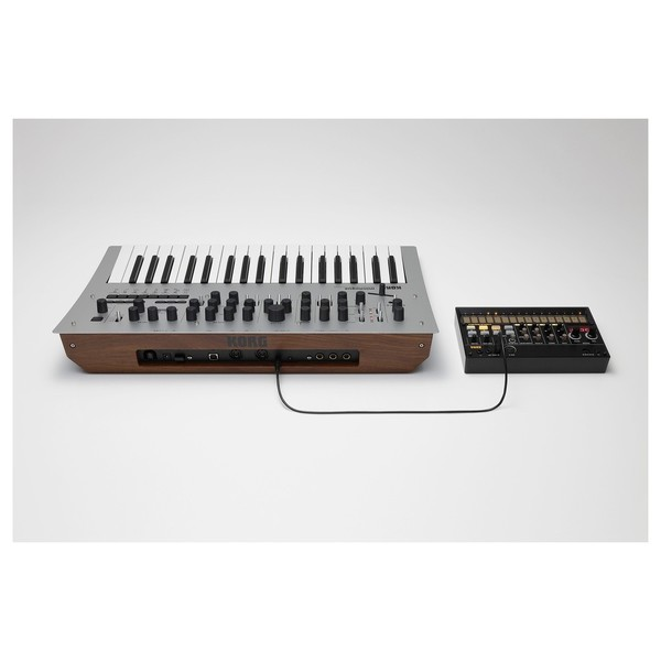 Korg Minilogue - Linked (Other Equipment Not Included)