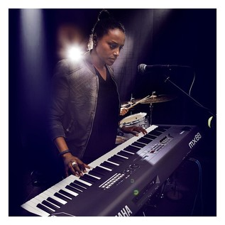 Yamaha MX88 Music Production Synthesizer, Black - Live