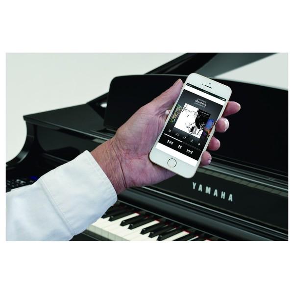 Yamaha CLP 695 Digital Grand Piano, Polished White