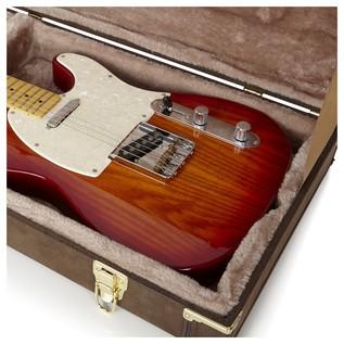 Gator GW-ELECT-VIN Deluxe Electric Guitar Case, Interior Close-Up