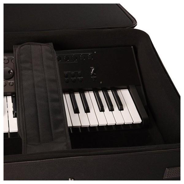 Gator GK-76-SLIM Rigid Keyboard Case, Close Up