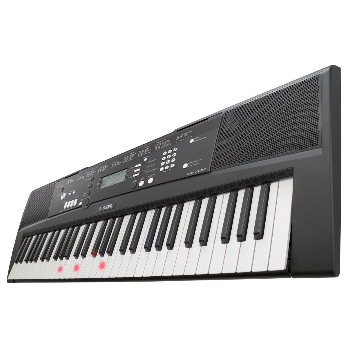 Yamaha EZ220 Keyboard med 61 Belyste Tangenter   Gear4music