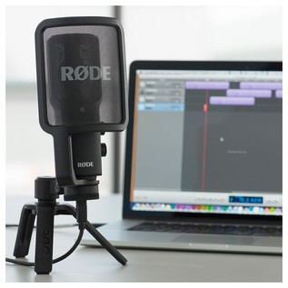 Rode NT-USB, USB Condenser Microphone - Lifestyle 2