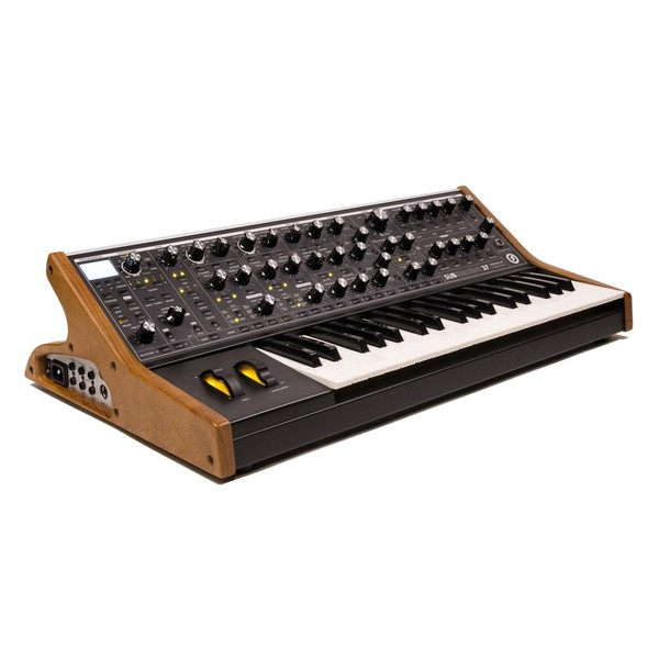Moog Subsequent 37 Tribute Edition
