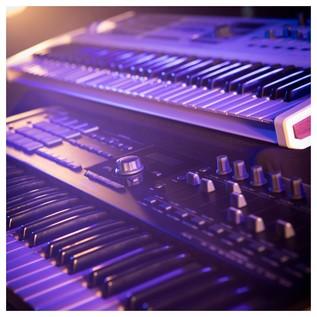 Keylab 61 MKII, Black - Lifestyle 2