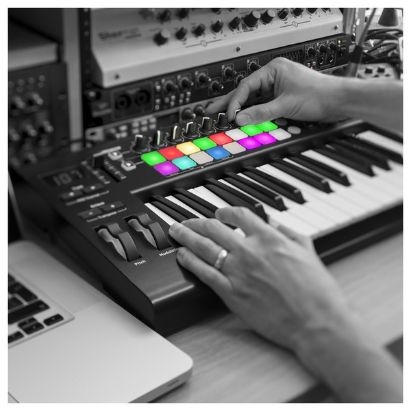 Novation LaunchKey 25 MK2 MIDI Controller Keyboard - Lifestyle