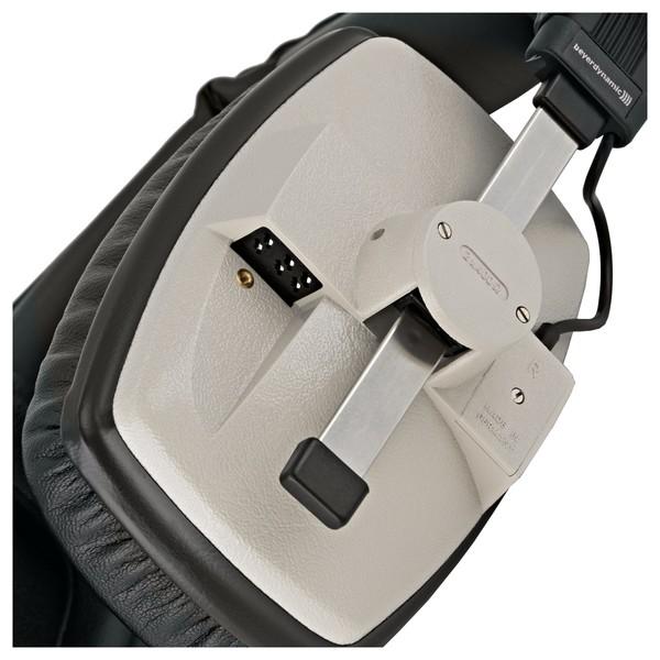 Beyerdynamic DT 100 Headphones, 400 Ohm, Grey close