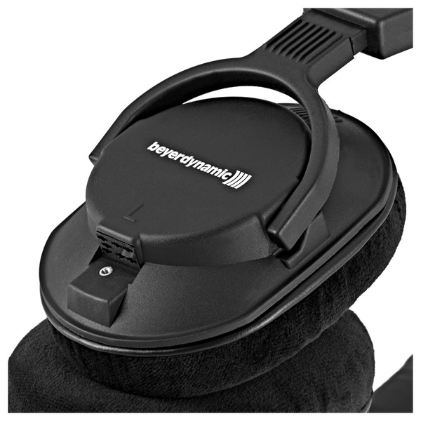 Beyerdynamic DT 250 Pro Headphones, 250 Ohm close
