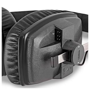 Beyerdynamic DT 150 Headphones, 250 Ohm close