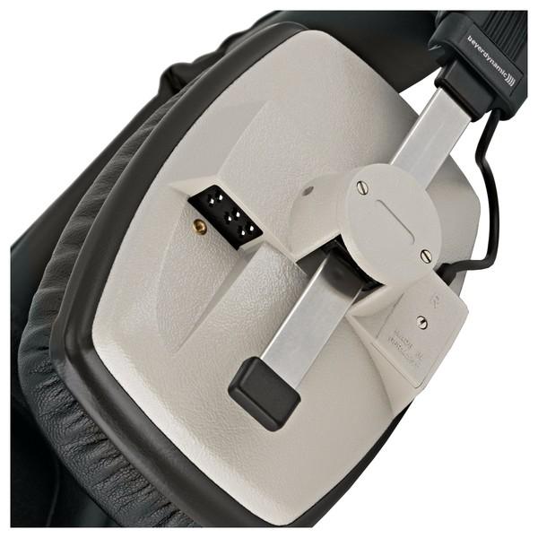 Beyerdynamic DT 100 Headphones, 16 Ohm, Grey close