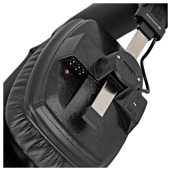 Beyerdynamic DT 100 Headphones, 16 Ohm, Black close