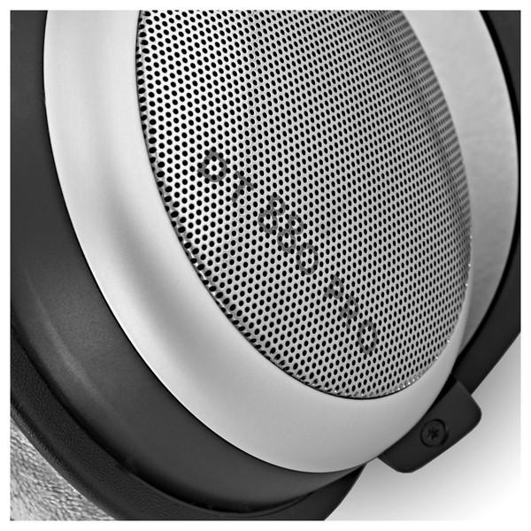 Beyerdynamic DT 880 Pro Headphones, 250 Ohms close