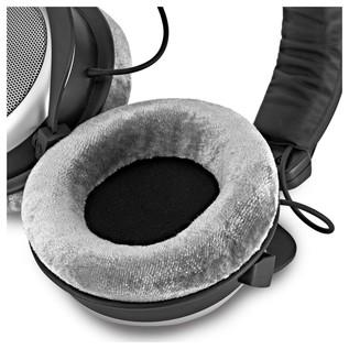 Beyerdynamic DT 880 Pro Headphones, 250 Ohms earpad
