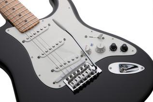 Fender Roland VG Stratocaster G5 Electric Guitar, Black - Controls