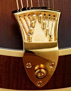 Ortega RMF90TS F-Style Mandolin, Solid Spruce Top, Tobacco Sunburst - close
