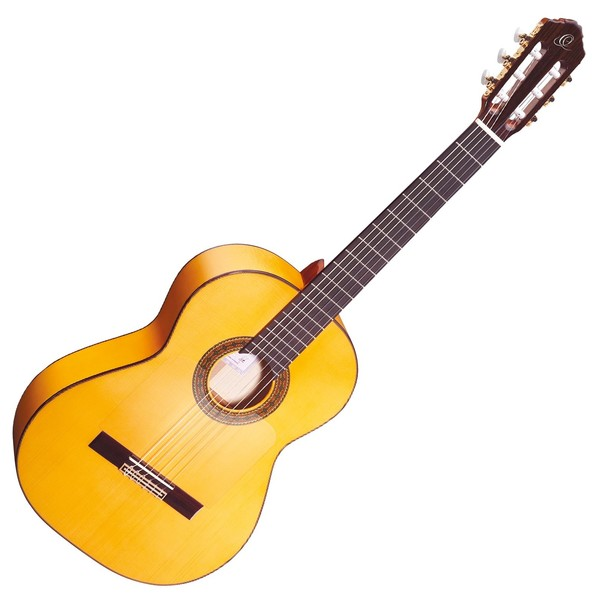 Ortega R270F Flamenco, Solid Spruce Top - Front View