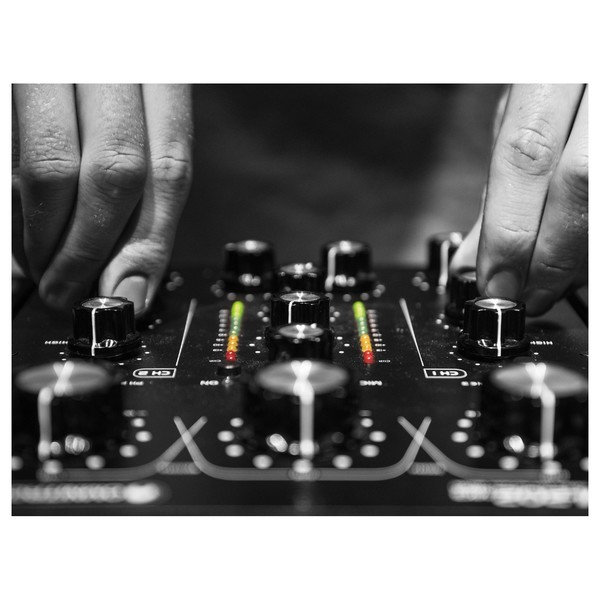 Omnitronic TRM-202MK3 2-Channel Rotary Mixer - Lifestyle 1