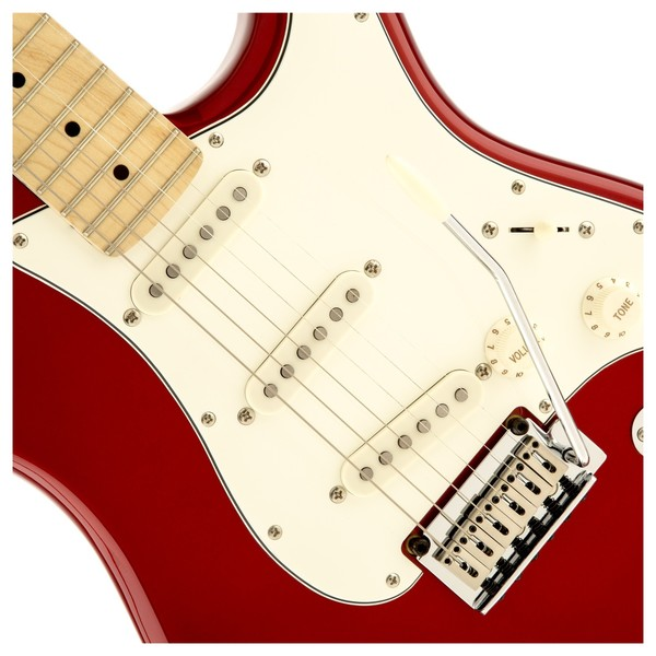 Squier Standard Strat MN, Candy Apple Red Close Up