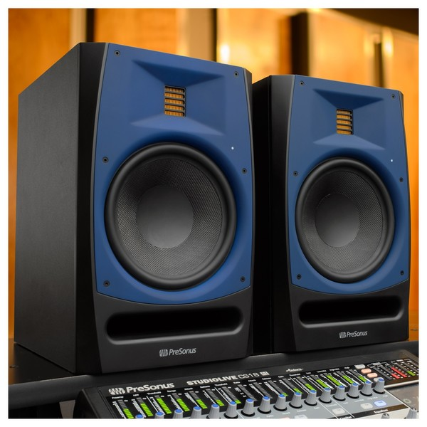 PreSonus R80 Studio Monitor - Lifestyle