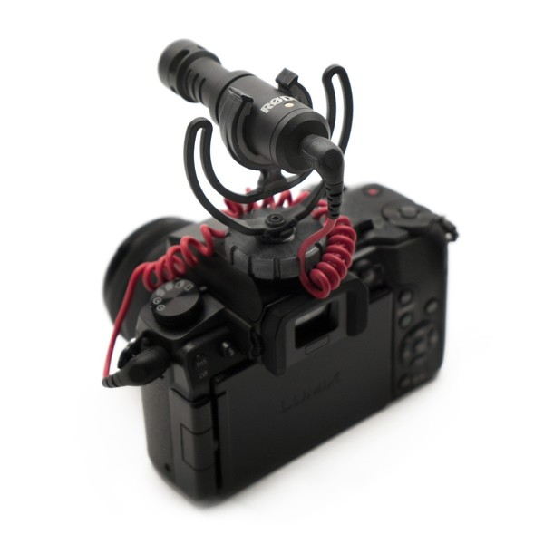 Rode VideoMicro Compact On-Camera Microphone - Application (camera not included)