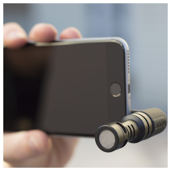 Rode VideoMic Me Microphone for iPhone and iPad - Lifestyle 2