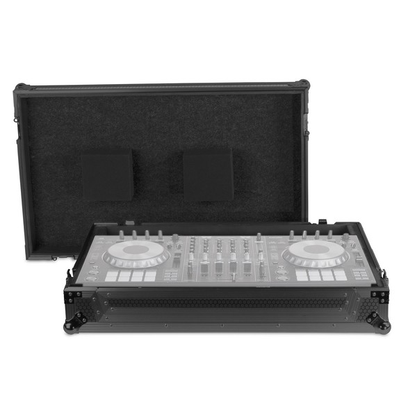 UDG FlightCase Pioneer DDJ-RZ/SZ/SZ2 Numark NS7/NS7II + (Wheels) - Main (Equipment Not Included)